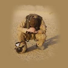 soldado orando